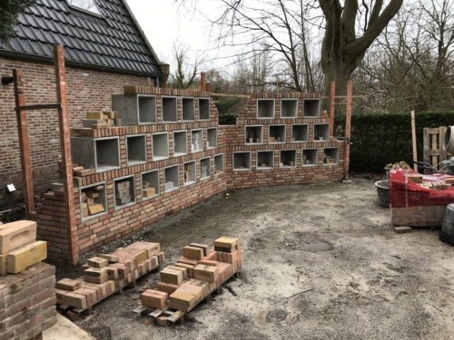 St. Urbanuskerk Bovenkerk - bouw urnenmuur