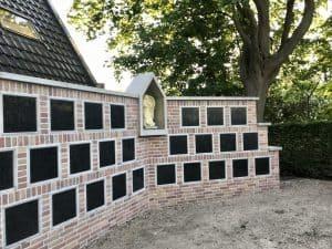 St. Urbanuskerk Bovenkerk - bouw vordert van urnenmuur
